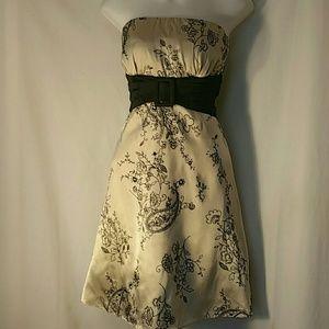 Dresses & Skirts - 2/$15 DRESS BEIGE STRAPLESS VELVET EMBOSSED Sz 9